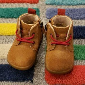 UGG Infant Baby Kristjan Chukka Sneaker 0/1